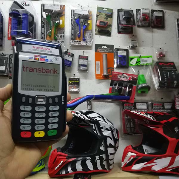 Oficina showroom tienda de motosyrepuestos en chile